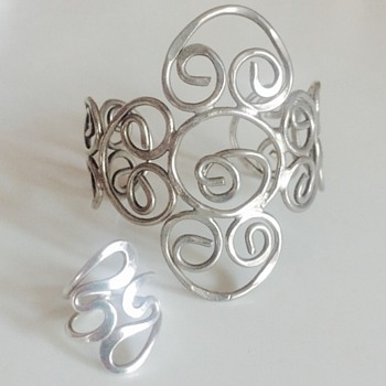 Art Crafts Hammered Swirl Silver  Ring & Bracelet  - Fine Jewelry