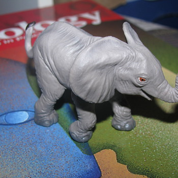 Safari elephant figure toy