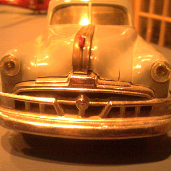 Warly fifties wind up Pontiac promo really moves out! - Model Cars