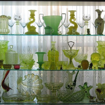 Why I Collect Uranium/Vaseline Glass
