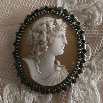 Antique Shell Cameo of Bacchante or Ariadne Crowned in Ivy - Victorian Era