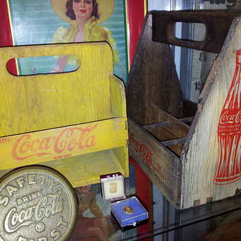 1940&#039;s Wood Carrier &amp; 1950&#039;s Mini 6-Pack - Coca-Cola