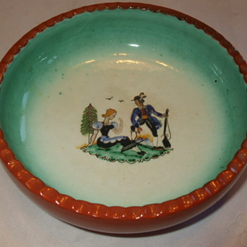 Colourful Couple MADE IN AUSTRIA Pottery Dish- Who Dunnit? - Art Pottery
