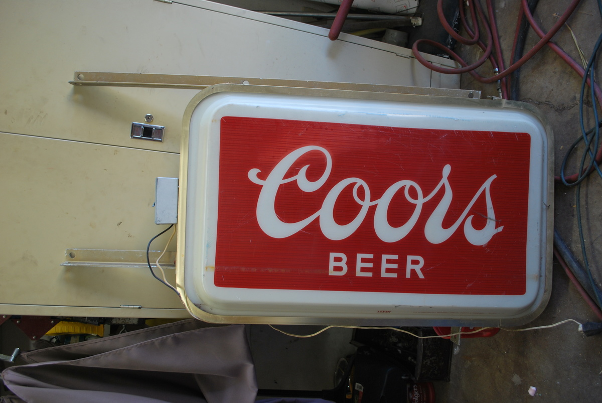 Show Tell Vintage Beer Signs Collectors Weekly