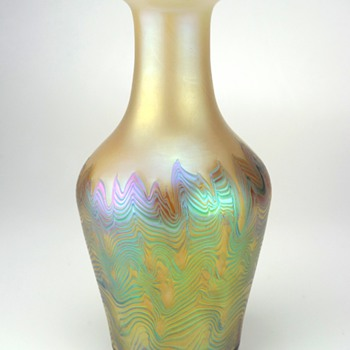Loetz Ausführung 227 Art Glass Vase, signed circa 1920-25 - Art Glass