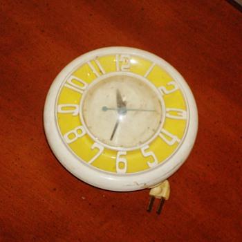 '50s GE Telechron Wall Clock