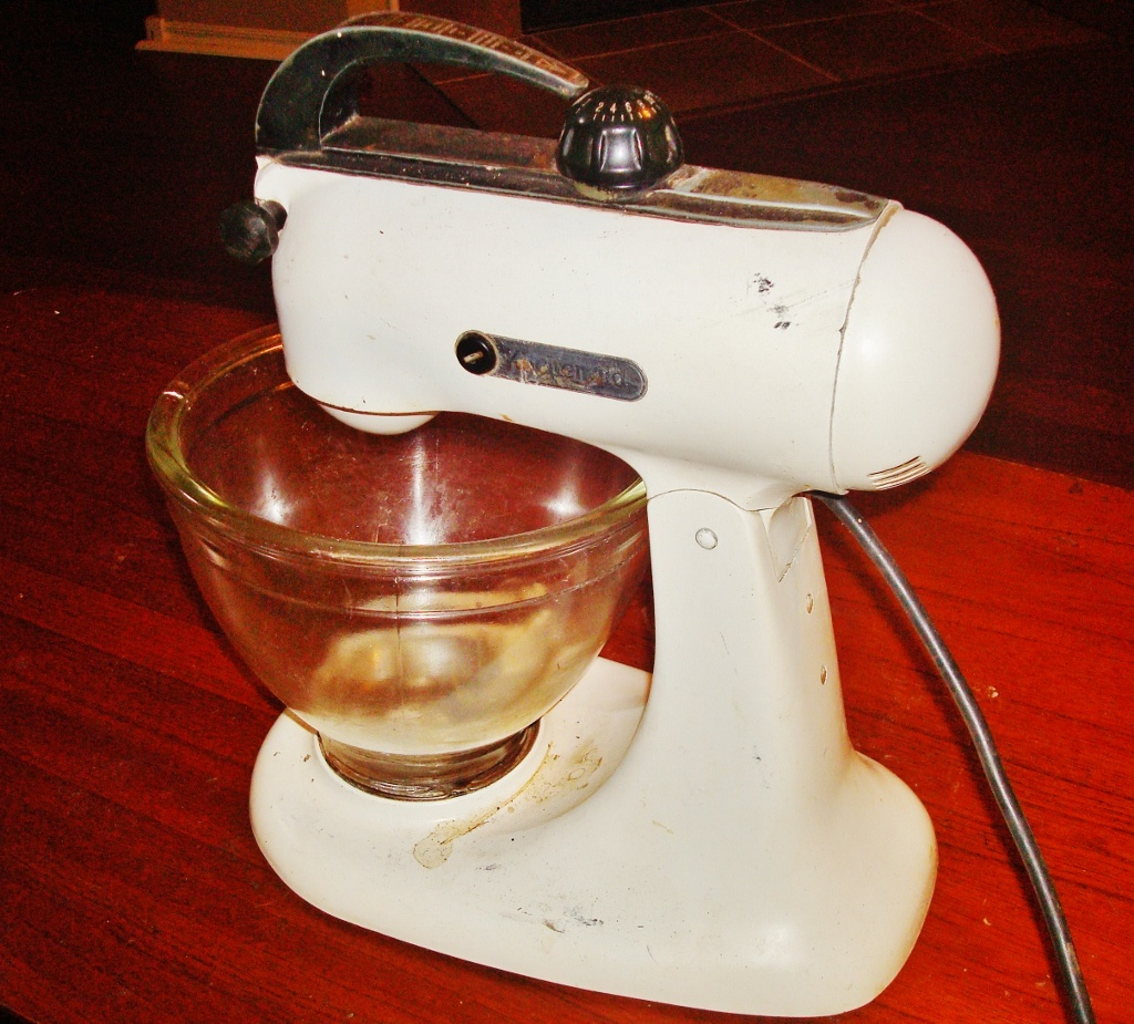 Vintage KitchenAid Stand Mixer : Collectors Weekly