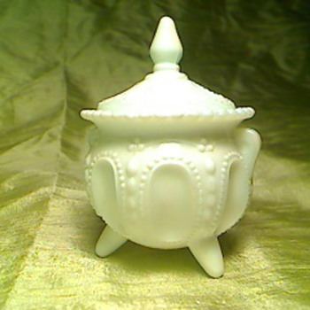 White pot - Art Glass