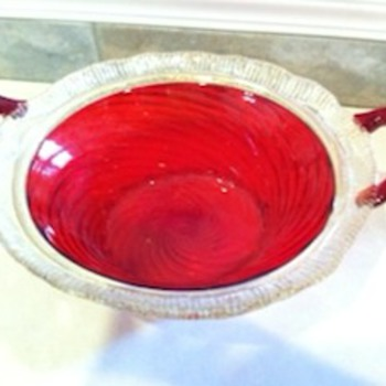 Red Swirl Glass Serving Bowl