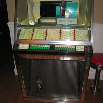 1957 Seeberg L-100 Juke Box - Coin Operated