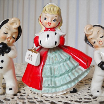 1956 NAPCO CHRISTMAS GIRL PLANTER & SNOW BUNNIES FIGURINES