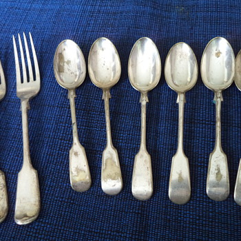 Unknown 6 spoon and 2 fork, Silver Plate!?