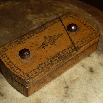 1910-1920 wood trick/puzzle match vesta case