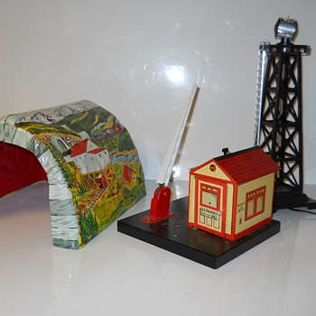 Tin Cabin & Tin Tunnel+Tower. Marx Toy, trash found, c1950-60