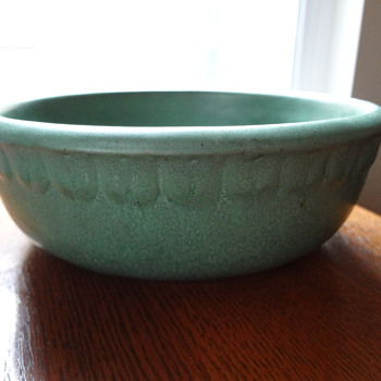"2"" tulip lip bowl - Art Pottery"