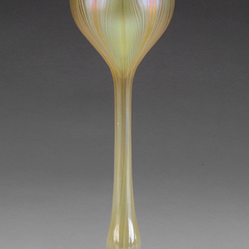 QUEZAL ART GLASS FLOWER FORM VASE, circa 1905