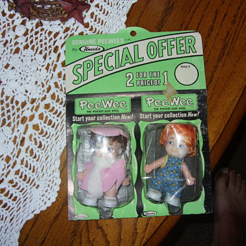 1969 peewee pocket size dolls