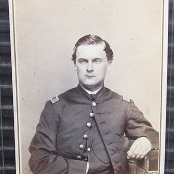 Lt. Heber J. Davis of the 7th New Hampshire regiment. - Photographs
