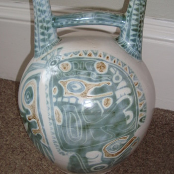 Very unusual Peruvian? style huge double spouted dringing vessel