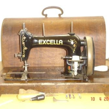 Haid & Neu hand crank  (German) sewing machine - Sewing