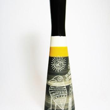 IRENA MADEI-AUSTRALIA  - Art Pottery