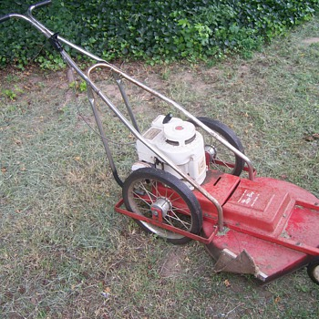 1979 Parmi Lazy Boy Mower - Tools and Hardware