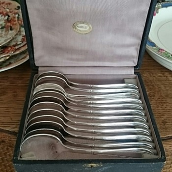 Vintage boxed French spoons - Silver