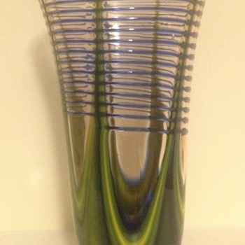 Kralik pink pulled trailed vase