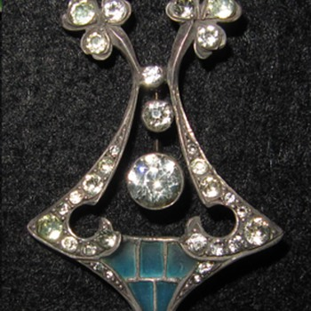 Early 20th century silver plique-a-jour enamel pendant.