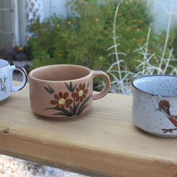 3 SOUP MUGS, 6 COFFEE CUPS & 1 INCENSE BURNER <> Today's Yard Sale Finds <> 25 CENTS  EACH! = $2.50 TOTAL! - Pottery