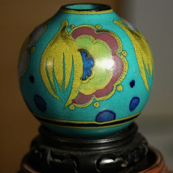 What IS this thing?  Gouda something or other? - Art Pottery
