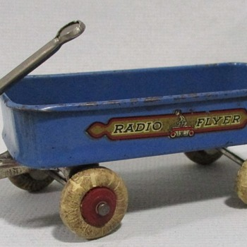 Radio Flyer Wagon 1933 - Toys
