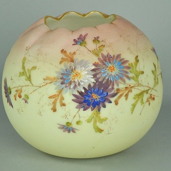 Mt. Washington Crown Milano Pseudo Burmese Victorian ERA Rose Bowl