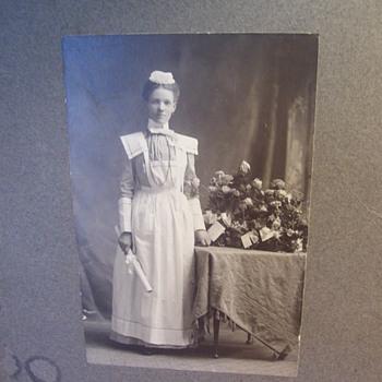 1900 Graduate Nurse??? Beautiful Young Woman, Cabinet Card - Photographs