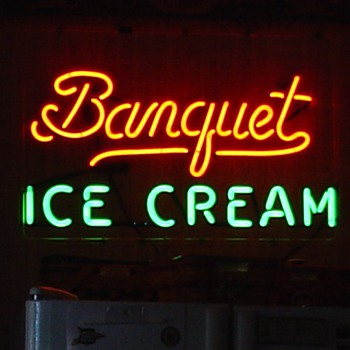 Banquet Ice Cream...Neon Sign...Two Colors