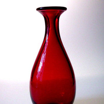 Monica Bratt Red Vase for Reijmyre - Art Glass