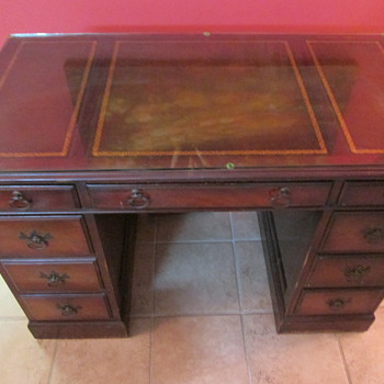 Vintage Keyhole Desk with Gold Inlay - Furniture