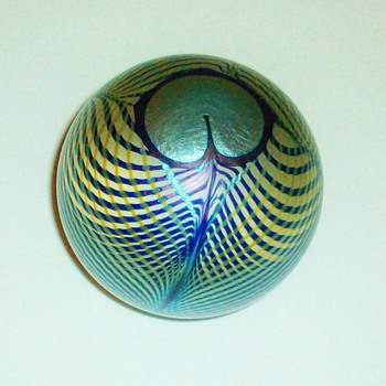 Steven Correia Peacock Feather Paperweight. - Art Glass