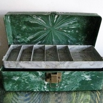Green and grey Beachcomber tackle box - Fishing
