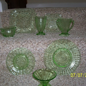 green dishes - Glassware
