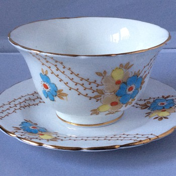 Handless cup and saucer