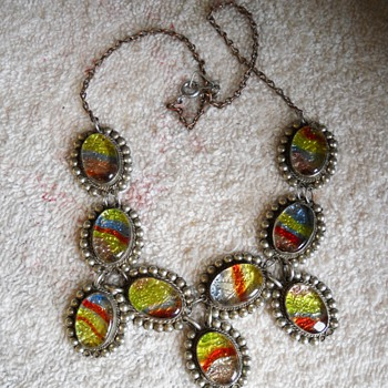 ART GLASS NECKLACE - Costume Jewelry