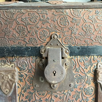 Humpback Trunk with Tin Design - Furniture