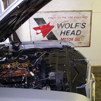 Wolf's Head motor oil - Petroliana