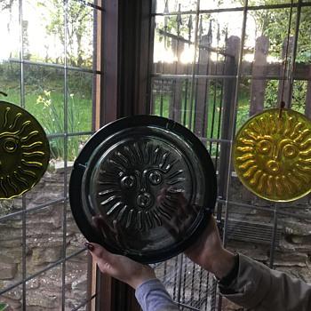 Whitefriars style suncatcher ashtray