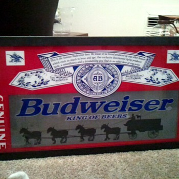 Budweiser beer sign with revolving carriage / motion RARE, 3 feet wide - Breweriana