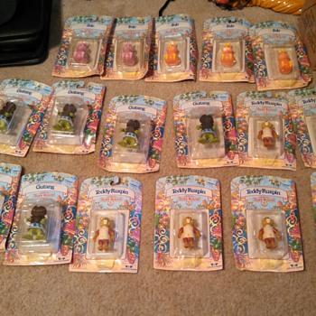 lot of 17 Teddy Ruxpin Figurines- in box..