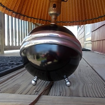 Art Deco Sphere Table lamp?