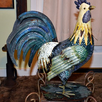 Shabby Painted Tin Gallo / Rooster - Animals