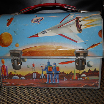 Space theme thermos lunchbox